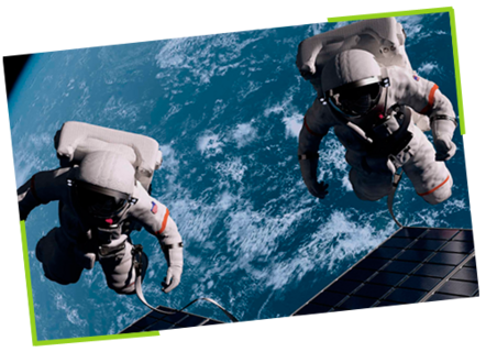 Zwei Astronauten im Weltall